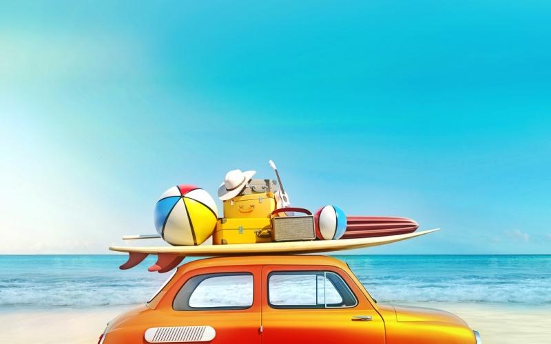 Plage départ en vacances en voiture