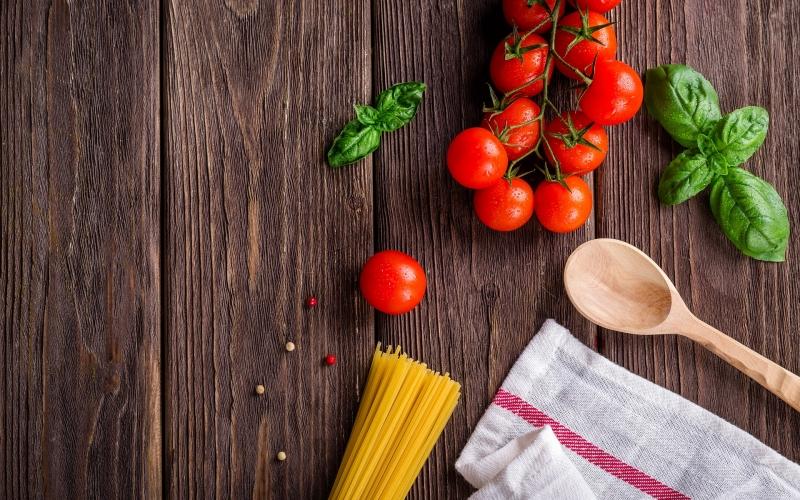 Cuisine tomates pâtes cuillère